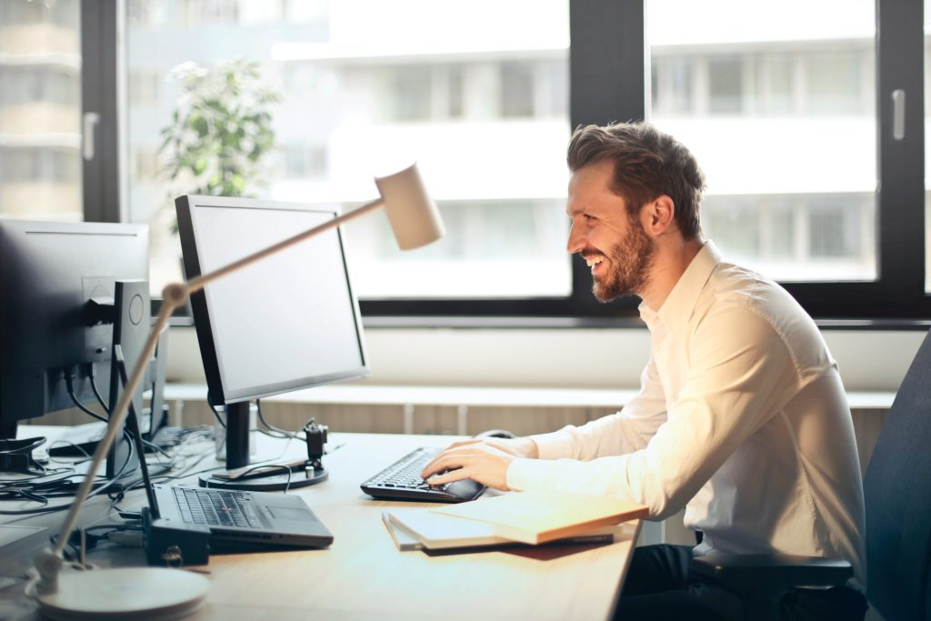 keep exact height of monitor and keyboard to avoid neck pain